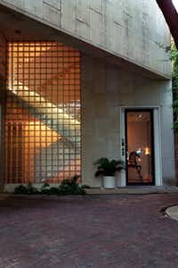 A Turtle Creek townhouse design by Frank Welch.