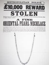 """A sketch of the necklace of  61 matched, pale-pink pearls at the center of """"The Great Pearl Heist"""""""