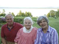 Children's book author Steven Kellogg, his wife Helen Kellogg, and Robyn Flatt of Dallas Children's Theater enjoyed a visit in Essex, N.Y., where the Kelloggs live.