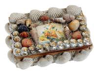 Valentine's Day seashells trinket box.