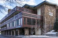 Like the Westin, new owners have totally renovated the neighboring Wildwood Snowmass.  Complementary ownership allows Wildwood guests to use many of the Westin's facilities including the ski valet.