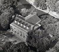 An aerial view of the lavish Troy Post mansion on Park Lane published in 1978.