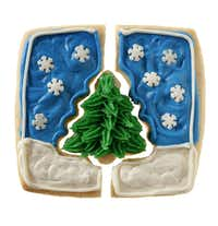 Second place in the Decorated category: Vanilla Honey Sugar Cookie Christmas Puzzle, by Suzy Cravens