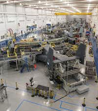 Fort Worth-based Bell Helicopter, with Boeing, makes the V-22 Osprey tilt-rotor aircraft for the U.S. military. Bell employs more than 10,000 people, including about 7,000 in Tarrant County.