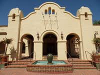 The Oaks at Ojai is a spa located in the downtown arts district of Ojai. Guests can wander and shop during their free time.Kathy Chin Leong -  Kathy Chin Leong