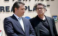 Sen. Ted Cruz and Gov. Rick Perry at a news conference at Fort Hood. April 2014 file photo. (Joe Raedle/Getty Images)