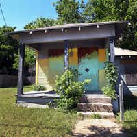 """This abandoned house on Noah Street, near Cliff Street, is located in """"Area D"""" - called the 10th Street/Bottoms area in the LINC Dallas [ Leveraging & Improving Neighborhood Connections ] plan."""