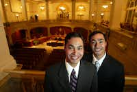 Julián Castro (left) and twin brother Joaquín, a San Antonio congressman(File 2004/Staff)