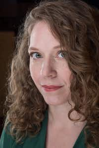"Amy Gentry(<p><span style=""font-size: 1em; line-height: 1.364; background-color: transparent;"">Matt Valentine</span><br></p><p></p>)"