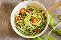 Zucchini pasta with vegetables(vm2002/Getty Images/iStockphoto)