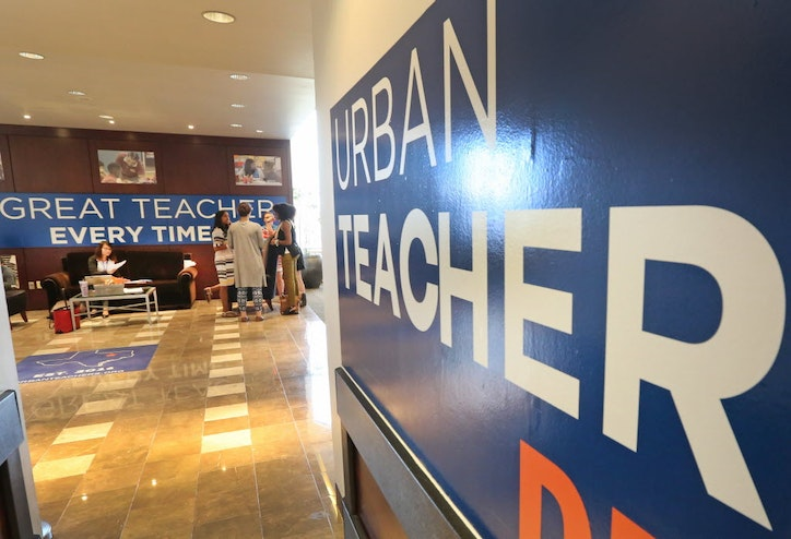 New wave of teachers-in-training heads to Dallas ISD, charter ...