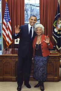 "President Barack Obama and Star Trek actress give the Vulcan salute in the Oval Office at the White House.(<p><span style=""font-size: 1em; line-height: 1.364; background-color: transparent;"">White House</span><br></p>)"