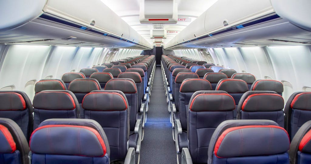 Take a look at the new interior on American Airlines\' refreshed 757s ...