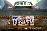"In a Thursday, June 11, 1998 file photo, the rear of the 1982 pickup truck owned by Shawn Allen Berry, 23, of Jasper, Texas, is shown. The ball of the hitch has been removed by the FBI in their investigation into the death of James Byrd Jr. (<p><span style=""font-size: 1em; background-color: transparent;"">AP Photo/The Beaumont Enterprise, Ron Jaap, File</span></p>)"