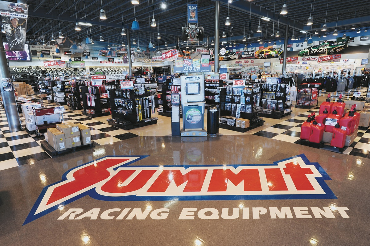 Summit Racing Zooms Into Arlington With 700 000 Square