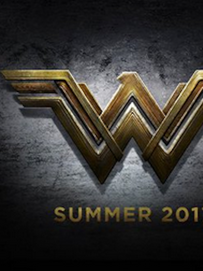 Whataresemblance Whataburger Takes On Wonder Woman Over Logo