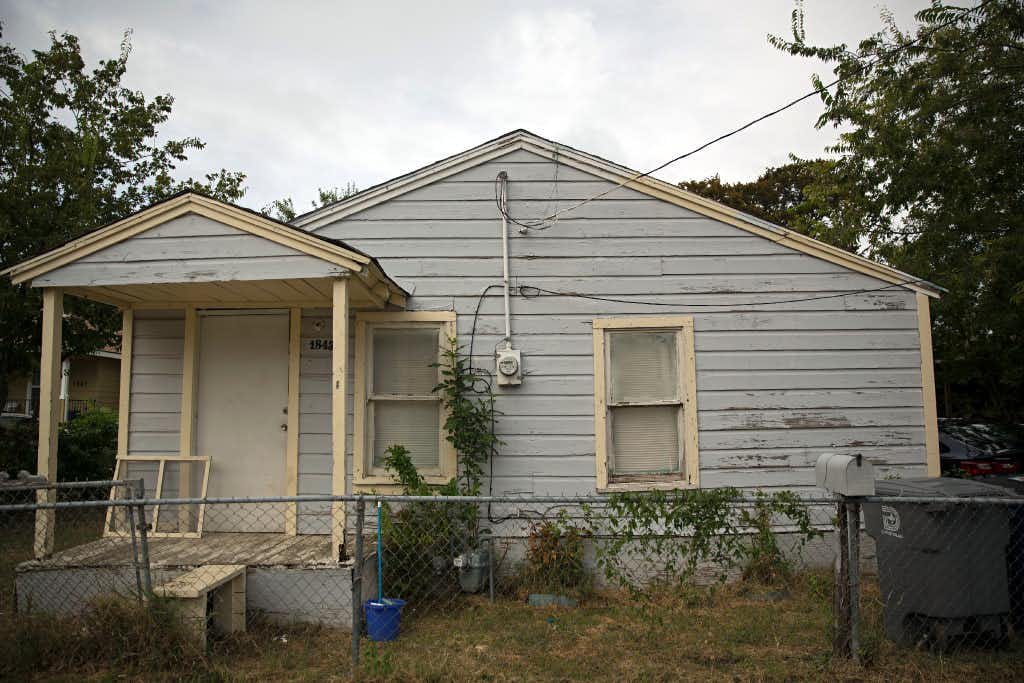 Families confused, unprepared for West Dallas mass evictions