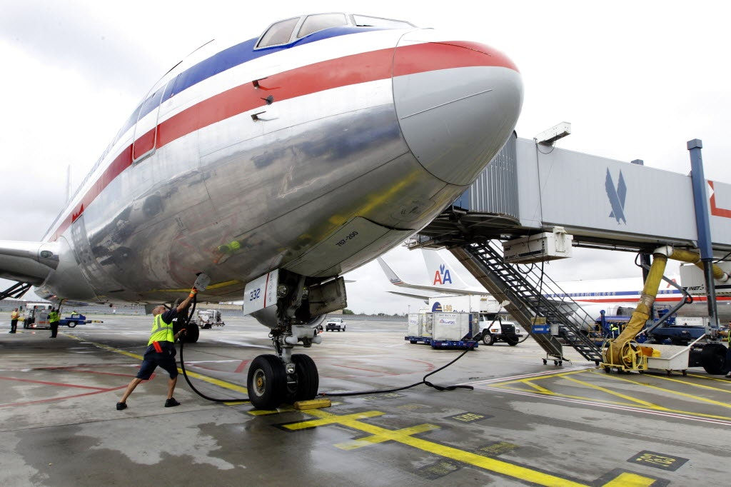 · When a plane loses pressure, the result is a noisy, terrifying scene in which passengers can be, and have been, sucked out of a plane. After a 5-ft. hole opened up in the roof of a Southwest Airlines plane this past weekend, the FAA announced that it was requiring aircraft to be inspected for cracks and fatigue so the frightening.
