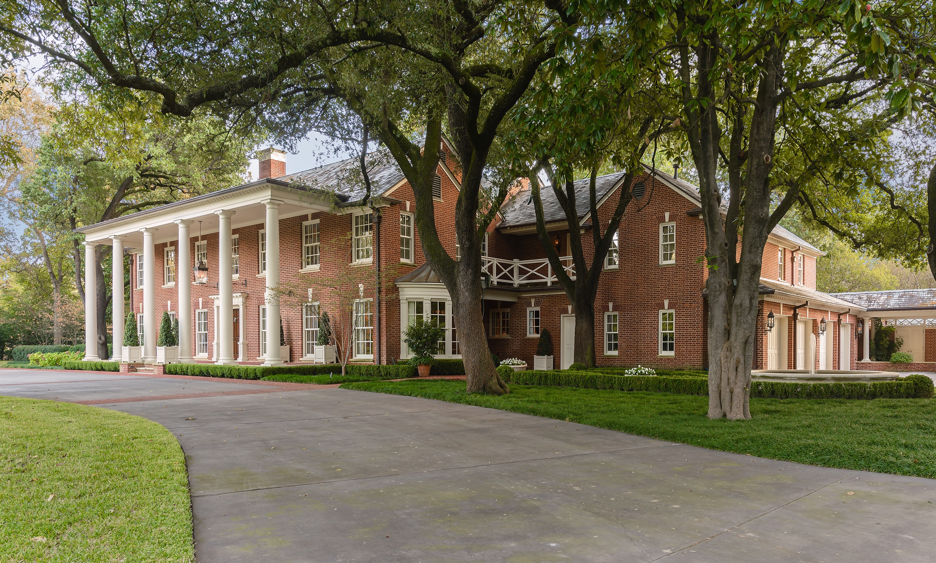 Get A Look Inside Dallas Original Southfork No The Other One