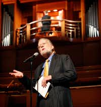"Master of ceremonies Michael Barone introduces local organist Jonathan M. Gregoire of  St. Andrew United Methodist Church in Plano at the Pipedreams Live! organ concert  Oct. 23 at the Meyerson Symphony Center. (<p><span style=""font-size: 1em; background-color: transparent;"">(Tom Fox/The Dallas Morning News)</span><br></p><p></p>)"