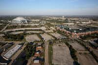 The neighboring Globe Life Park and AT&T Stadium as seen last week.(Rose Baca/The Dallas Morning News)