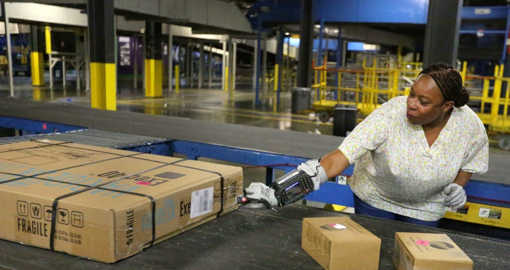 holiday shipping jobs are plentiful in north texas as fedex ups usps gear up for gifts retail dallas news