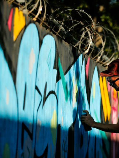 At Dallas\' only free wall, graffiti taggers can spray to their art\'s ...