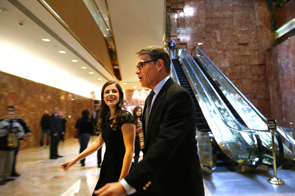 Rick Perry ascends Trump Tower to meet president-elect as rumors ...