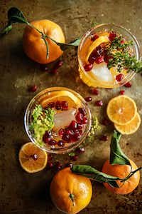 Sparkling Clementine Thyme Cocktail(Heather Christo)