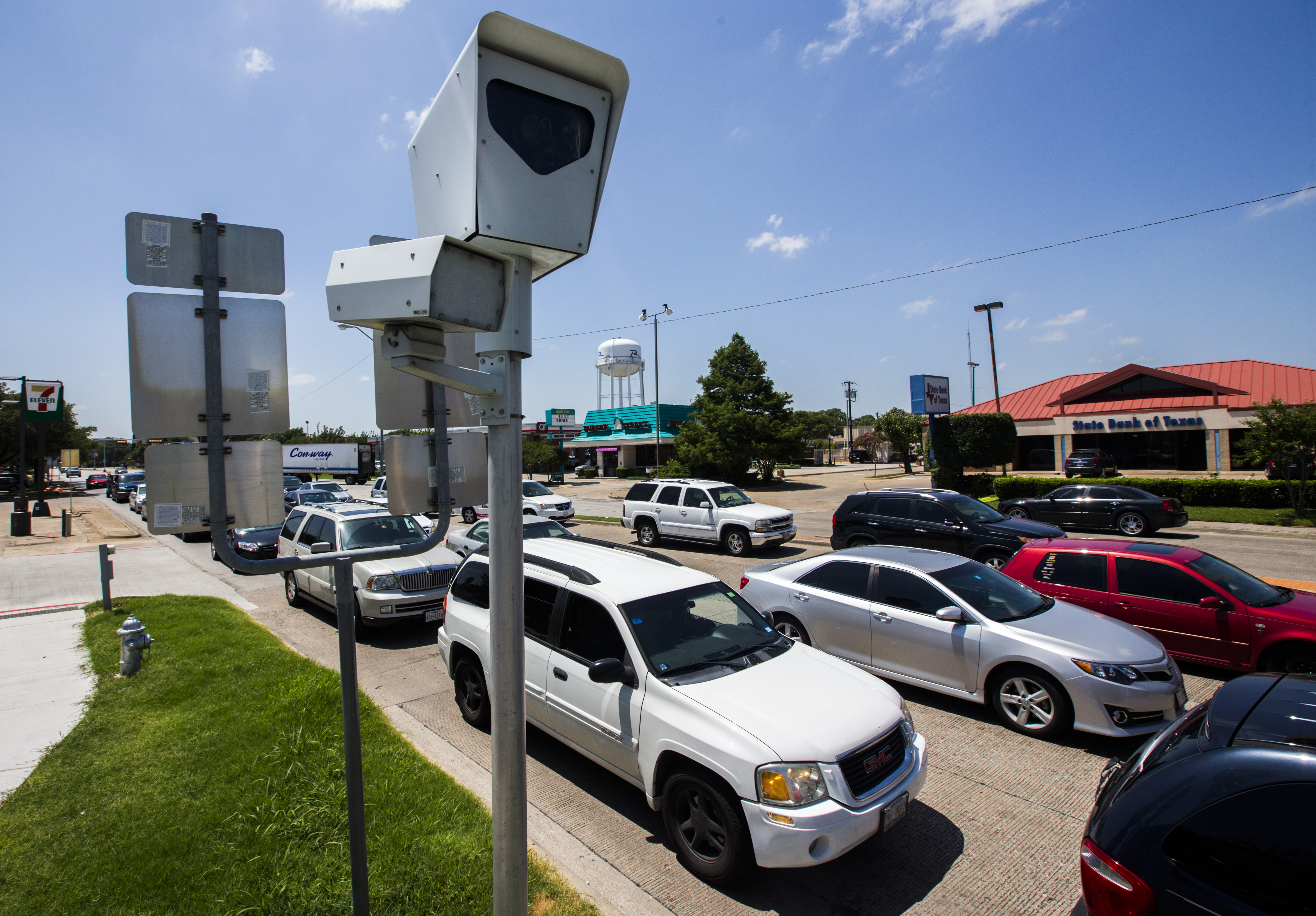 Hate Red Light Cameras? Texas Lawmakers Will Try To Ban Them U2014 Again |  Politics | Dallas News