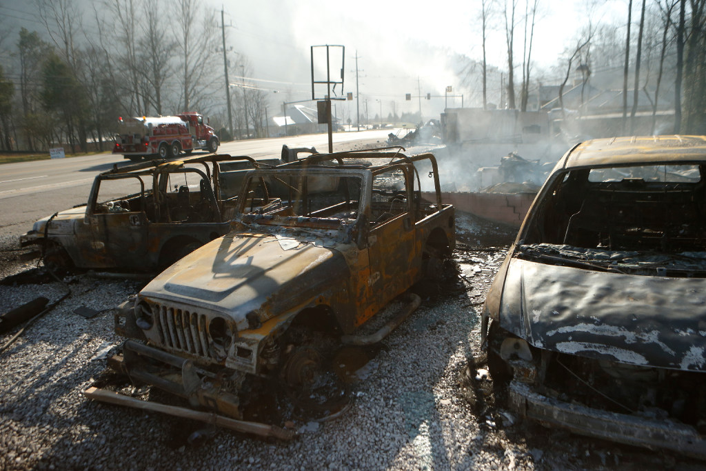 Three people reported dead in Gatlinburg Tennessee wildfires