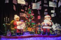 "<p><span style=""font-size: 1em; line-height: 1.364; background-color: transparent;"">For</span>ty ice artisans created the magical sculptures seen at ICE! featuring Santa Claus is Comin' To Town, through Jan. 1, 2017.</p>"