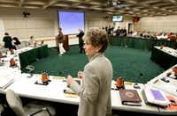 June 20, 2007: Dallas Mayor Laura Miller conducted her final City Council meeting.