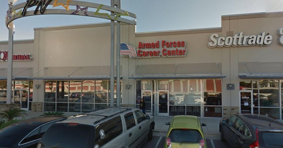 Army Recruiter In San Antonio Admits Selling Guns To