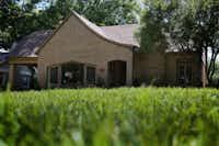 815 Cordova St. in Dallas, July 6, 2016. (Rose Baca/The Dallas Morning News)