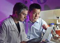 Head-and-neck cancer surgeon, Dr. Baran Sumer and bioengineer, Jinming Gao, are working on a technology to illuminate cancer cells.(UT Southwestern Simmons Comprehensive Cancer Center)