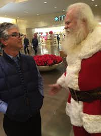"""Dr. Santa"" with the author Dave Lieber in 2015.((Marina Trahan Martinez/Staff))"
