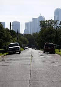 The view of downtown from McBroom Street in West Dallas on Aug. 25. (Rose Baca/ Staff Photographer)
