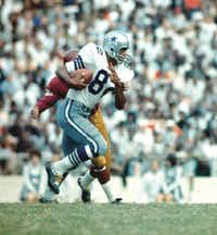 Receiver Frank Clarke, seen here against the Washington Redskins, came up big against the Packers on Jan. 1, 1967.