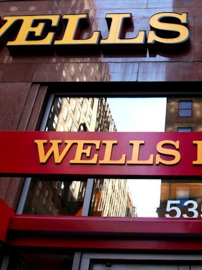 Wells Fargo Overhauls Teller Pay Ties Incentives To How Often