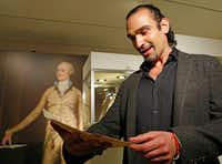 """Javier Munoz, who plays Alexander Hamilton in the hit Broadway musical, tears up as he reads a letter from Hamilton's son Patrick to his father that starts with the words """"Dear Papa,"""" Tuesday, Jan. 10, 2017, in New York. (AP Photo/Kathy Willens)"""