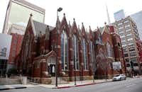 "<p><span style=""font-size: 1em; background-color: transparent;"">First Baptist Church of Dallas in 2010.</span></p>(<p><span style=""font-size: 1em; background-color: transparent;"">(David Woo/Staff Photographer)</span><br></p><p></p>)"