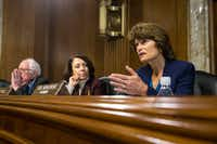 <p></p><p><br>Sens. Lisa Murkowski (R-Alaska), Maria Cantwell (D-Wash.) and Bernie Sanders (I-Vt.) participate in the confirmation hearing for former Texas Gov. Rick Perry. &nbsp;&nbsp;(Al Drago/The New York Times)</p>