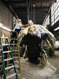 """<p><span style=""""font-size: 1em; background-color: transparent;"""">American artist Lynda Benglis pouring foam for a project at the Modern Art Foundry in Queens, New York. (Photograph by Sebastian Kim, courtesy of Cheim & Read, New York).</span></p>"""