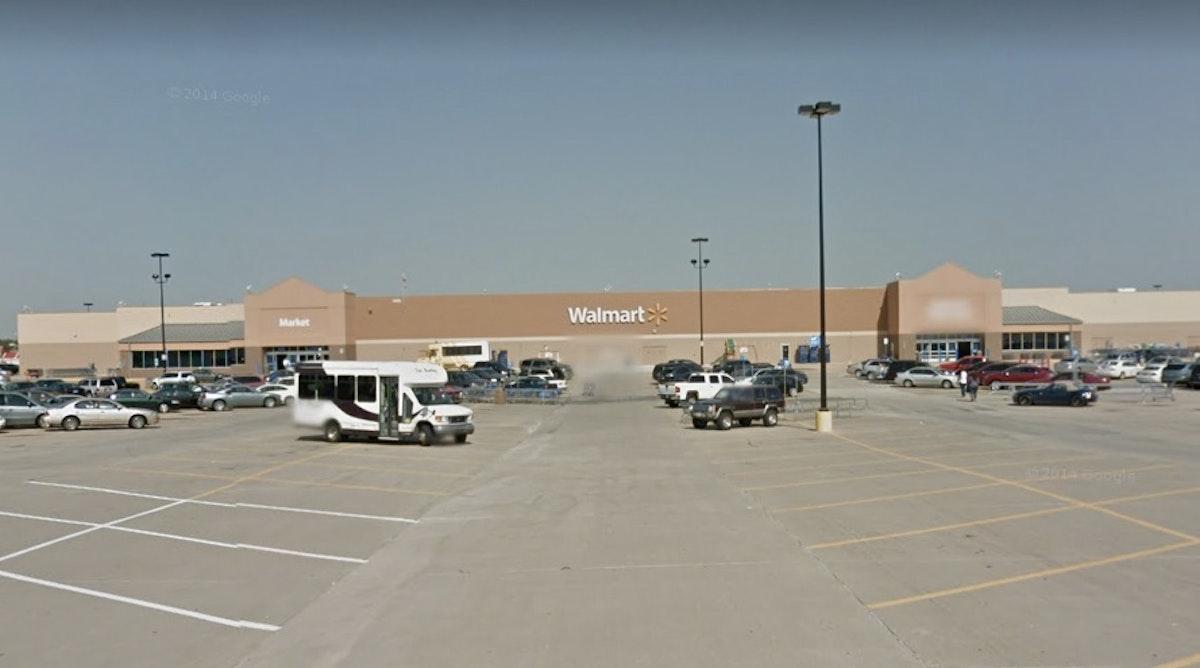 Watch: Customer at Irving Wal-Mart tells Hispanic employee ...