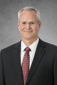 Darren W. Woods((Exxon Mobil))
