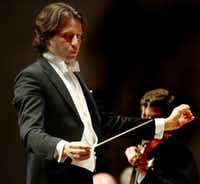Guest conductor Gustavo Gimeno leads the Dallas Symphony Orchestra in Aaron Jay Kernis' Violin Concerto at the Meyerson Symphony Center on Thursday April 6. James Ehnes was the solo violinist for the Violin Concerto. (<p>(Ron Baselice/The Dallas Morning News)<br></p><p></p>)