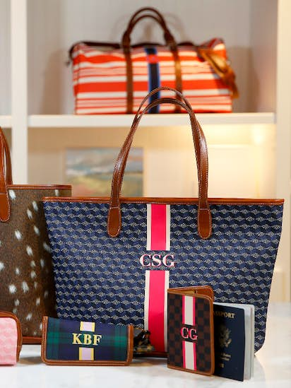 437a06dc6f Tiny Dallas retailer hopes a handbag you have a hand in can compete with  Coach, Kate Spade
