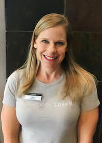 "<p><span style=""font-size: 1em; background-color: transparent;"">Julie Kuehn, registered dietitian and personal trainer at Life Time gym in Allen, advocates planning an out-to-eat strategy.</span></p>(<p><span style=""font-size: 1em; background-color: transparent;"">Ruthi Elliott</span><br></p><p></p>)"