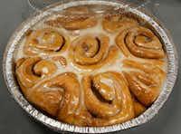 RoRo's Baking Company in Dallas bakes 5,400 cinnamon rolls per day.(David Woo/Staff Photographer)